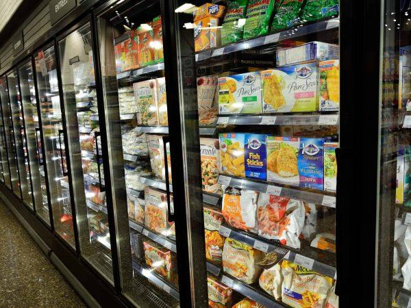 Kühlschranklampen im Supermarkt