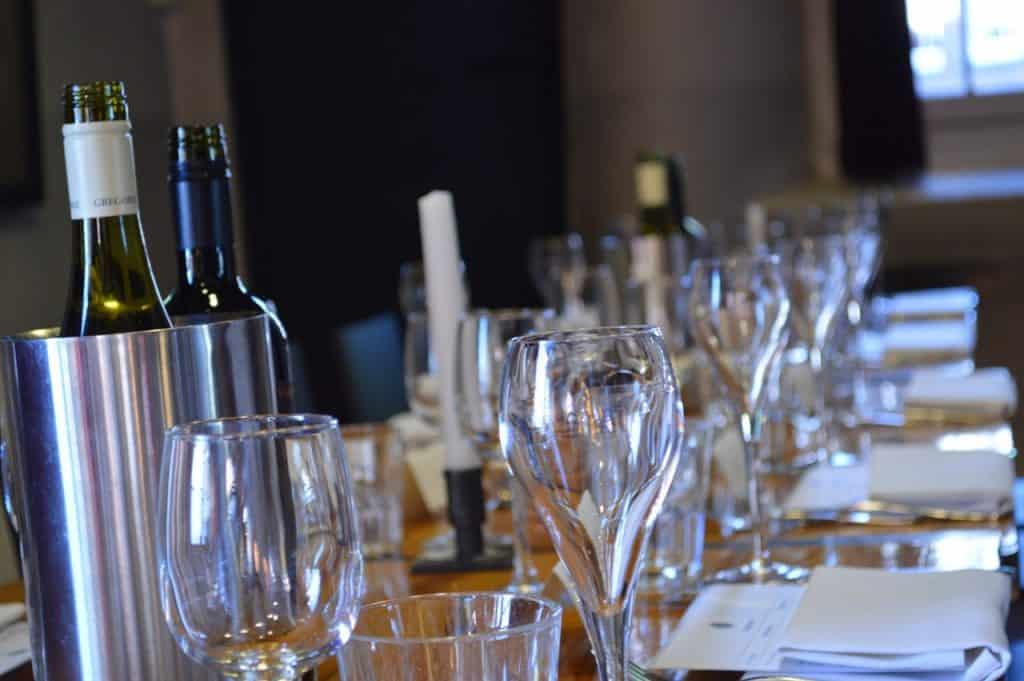 Weinkühler Tisch