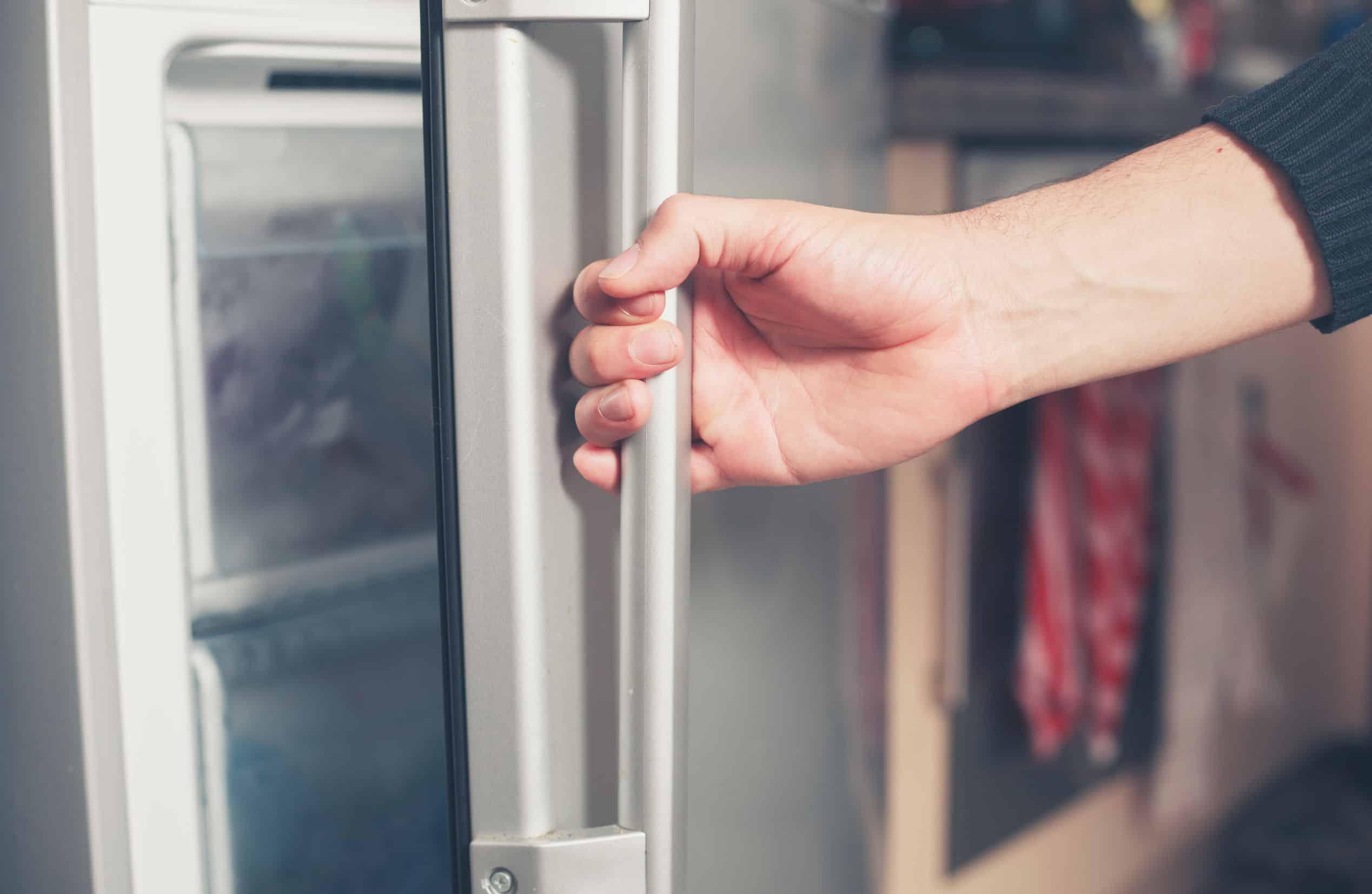 Aeg Kühlschrank Gefriert : Einbaukühlgefrierkombination test 2018 die besten schränke im