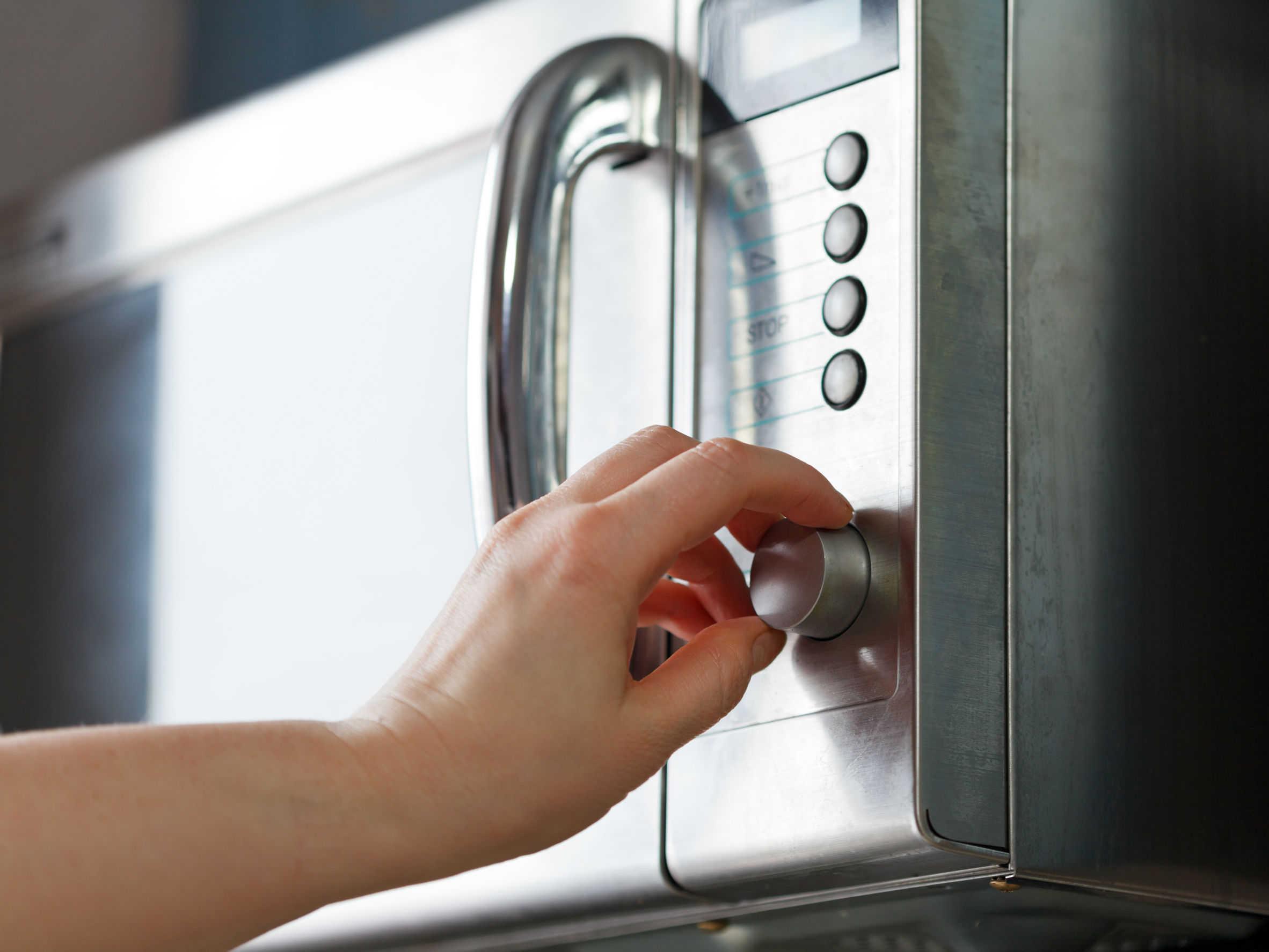 Mikrowelle mit Heißluft: Test & Empfehlungen (04/21)